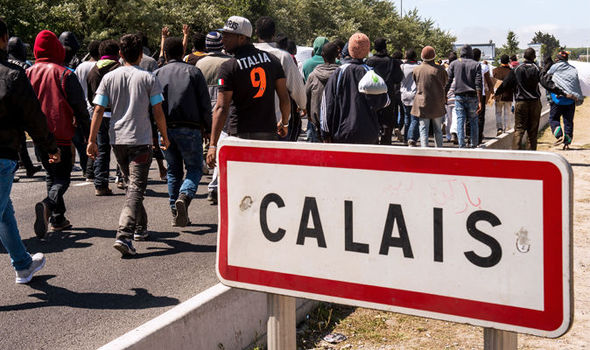 British-truck-drivers-stabbed-attacked-Tommy-Harrison-migrants-Calais-France-585530